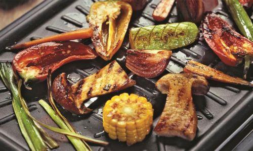 Грибы с овощами на гриле