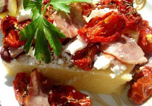 Блюдо с вялеными помидорами