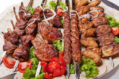 Шашлыки из разных видов мяса