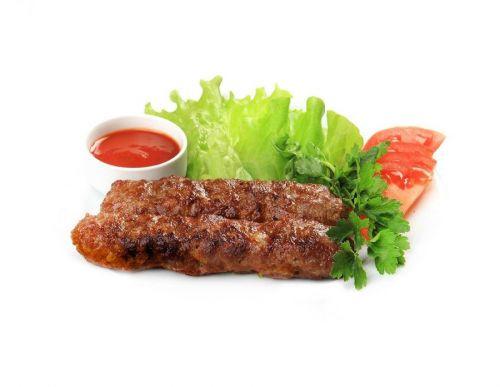 Люля-кебаб с соусом