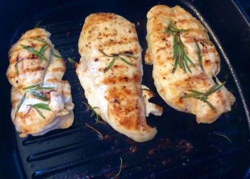 Грудки куриные, приготовленные на гриле