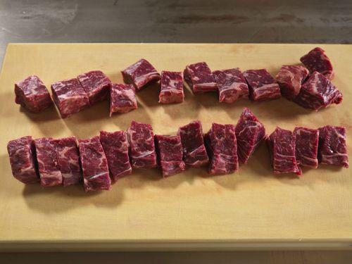 Порционные куски баранины для шашлыка