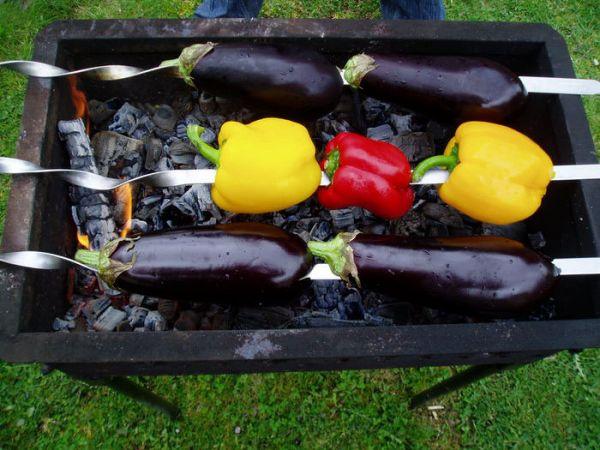 Овощи на мангале целиком