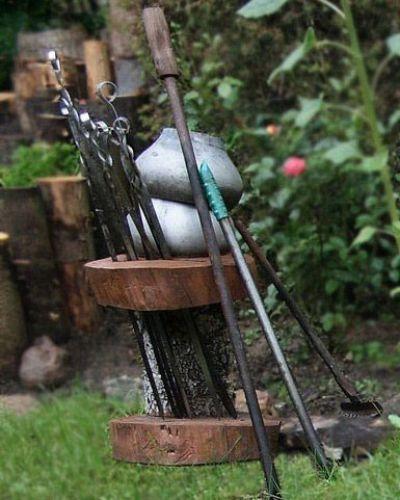 Деревянная самодельная шампурница