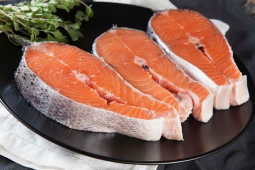 Стейки красной рыбы