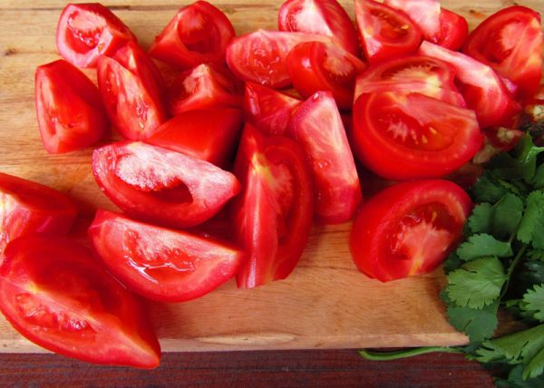 Дольки томатов