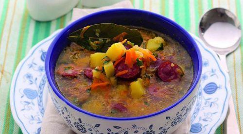 Суп с картофелем и колбасой