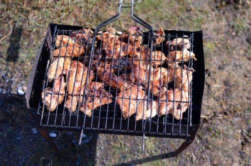 Куриный шашлык на решетке