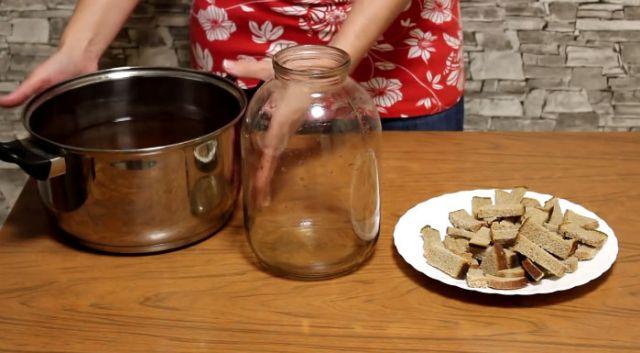 Приготовление кваса с хлебом