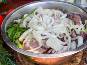 Мясо с луком