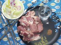 Шашлык из свинины с минералкой
