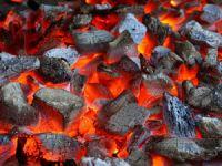 Уголь в мангале