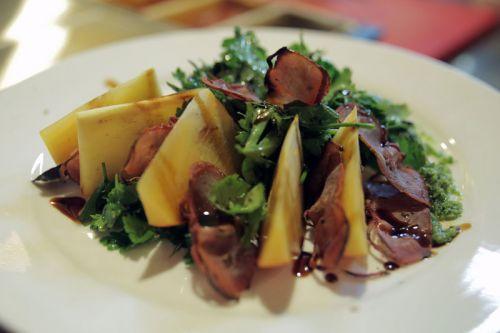 Салат с вяленой грудкой