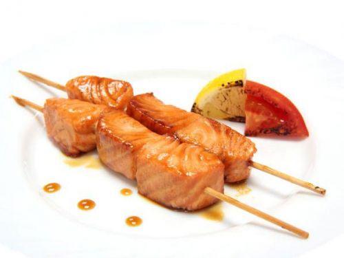 Шашлычок из красной рыбы по-японски