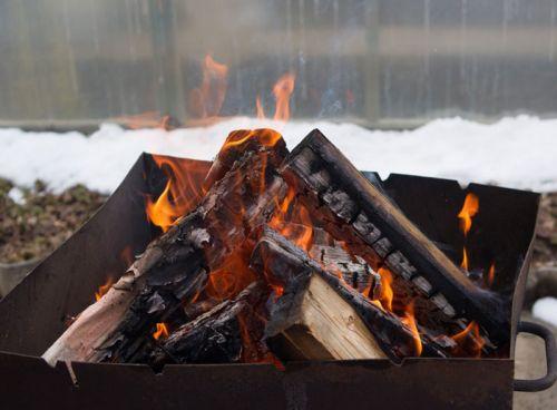 Пооготовка углей для мангала