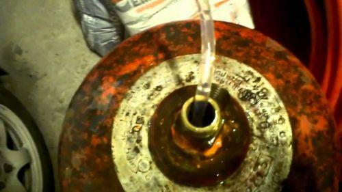 Наполнение газового баллона водой