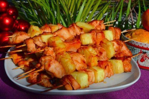 Куриные шашлычки с ананасами