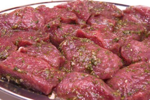 Замаринованное мясо для шашлыка